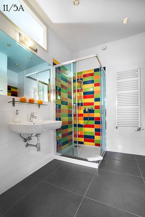 1 Einzelbett, Sessel, Küche, Mikrowellenofen, Toaster, Badezimmer Mit  Dusche, WiFi, Fläche 28 M² , Hochparterre.